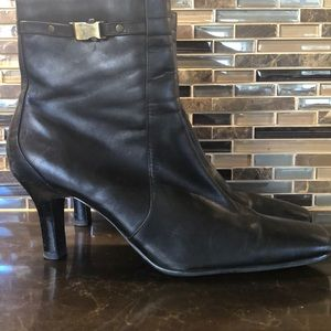 Karen Scott black boots